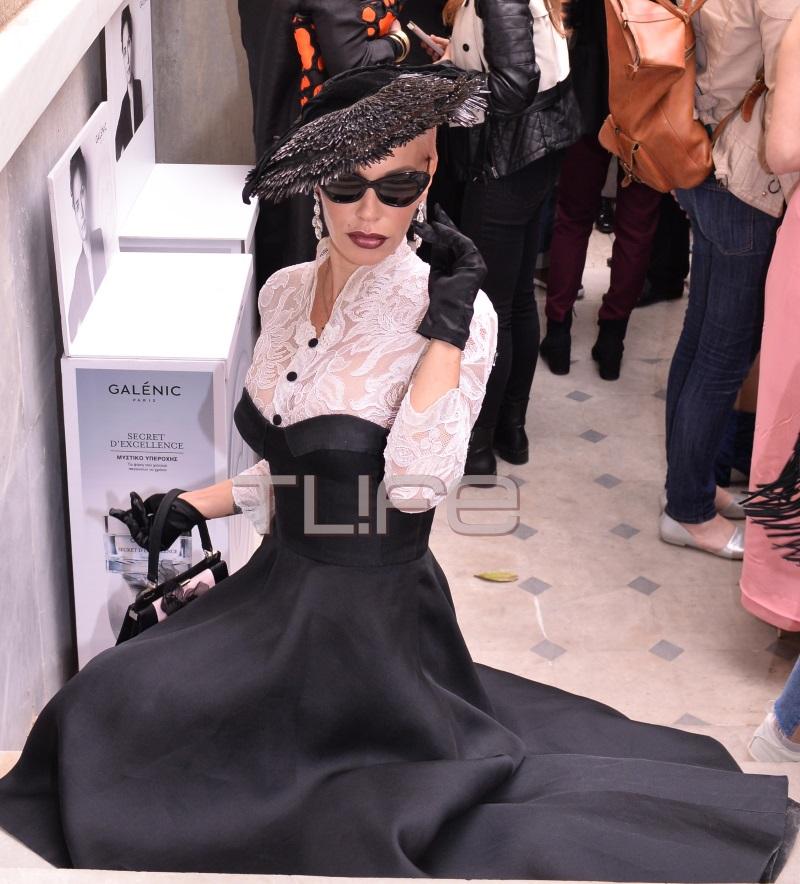 Νατάσα Καλογρίδη: Η εντυπωσιακή fashion εμφάνιση της, στο show του Βασίλη Ζούλια! [pics]
