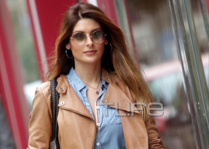 Ανθή Σαλαγκούδη: Με casual chic εμφάνιση στο κέντρο της Αθήνας | tlife.gr
