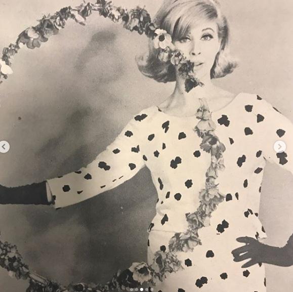 Eίναι η καλλονή μητέρα γνωστής παρουσιάστριας το 1964! [pics] | tlife.gr