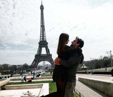 Γιάννης Δρυμωνάκος: Οι ρομαντικές στιγμές από το ταξίδι με την σύντροφό του στο Παρίσι και η υπόσχεση που έδωσε στον Τανιμανίδη και που εκπλήρωσε! | tlife.gr