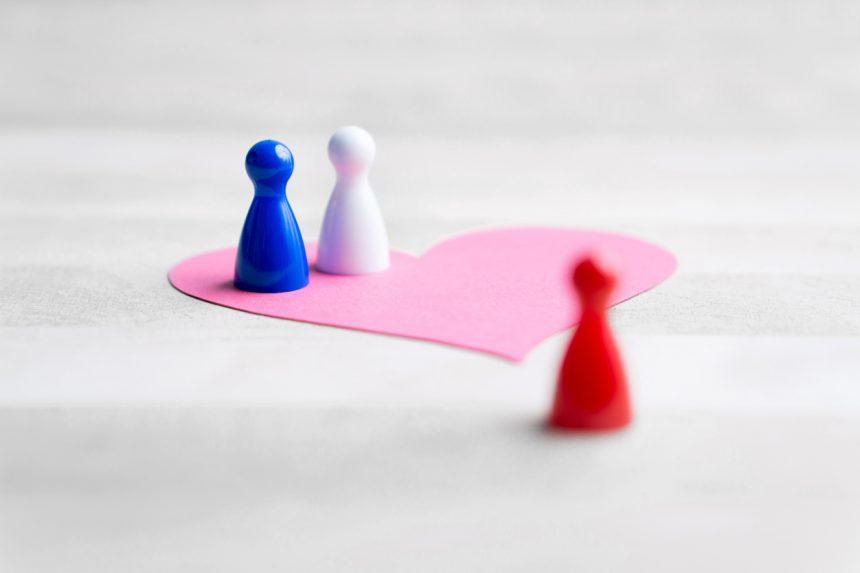 Το τρίτο πρόσωπο σε μια σχέση… δεν είναι πάντα αυτό που νομίζεις!   tlife.gr