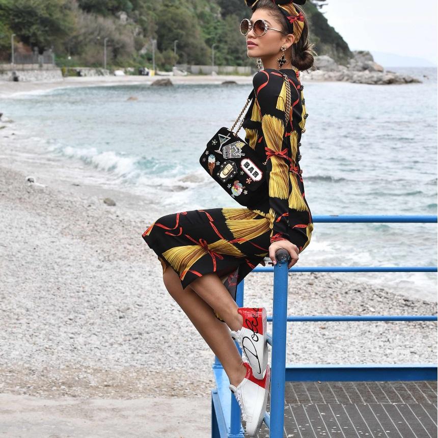 Αυτή είναι η νέα τάση στα sneakers που πρέπει να φορέσεις την Άνοιξη! | tlife.gr