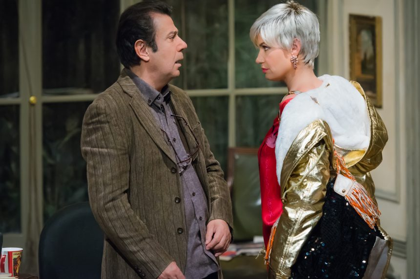 Η ερωτική κωμωδία «Εκπαιδεύοντας τη Ρίτα» στο θέατρο Πόλη | tlife.gr