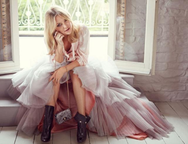 Kate Hudson: Ποζάρει με κόκκινο μπικίνι στον τέταρτο μήνα της εγκυμοσύνης της! [pic] | tlife.gr
