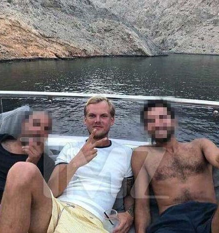 H τελευταία φωτογραφία του Avicii μια μέρα πριν πεθάνει με δυο φίλους του σε σκάφος… | tlife.gr
