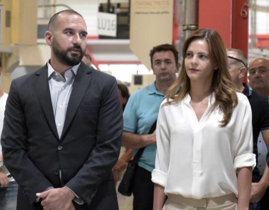 Δημήτρης Τζανακόπουλος – Έφη Αχτσιόγλου: Ρομαντικό τετ α τετ σε ταβερνάκι στο Παγκράτι!