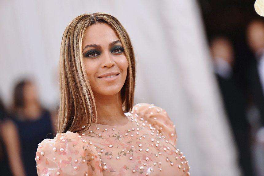 Γιατί ο makeup arist της Beyonce χρησιμοποιεί τσιγαρόχαρτο στο πρόσωπό της! | tlife.gr