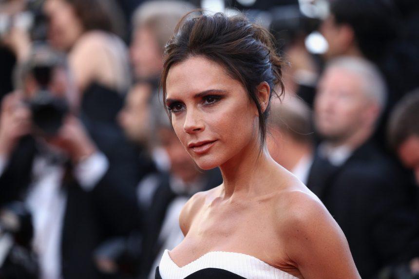 Ο δερματολόγος της Victoria Beckham αποκαλύπτει τα τέσσερα πολύ απλά βήματα για τέλειο πρόσωπο! | tlife.gr