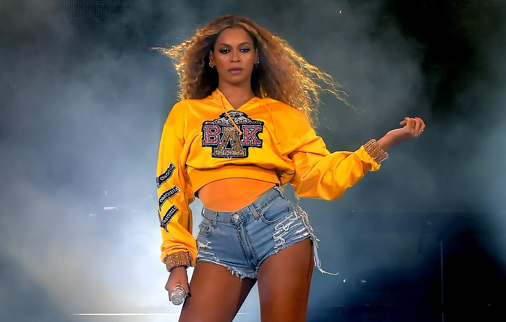 Πώς η Beyonce άλλαξε δύο βερνίκια κατά την διάρκεια του performance της στο Coachella! | tlife.gr