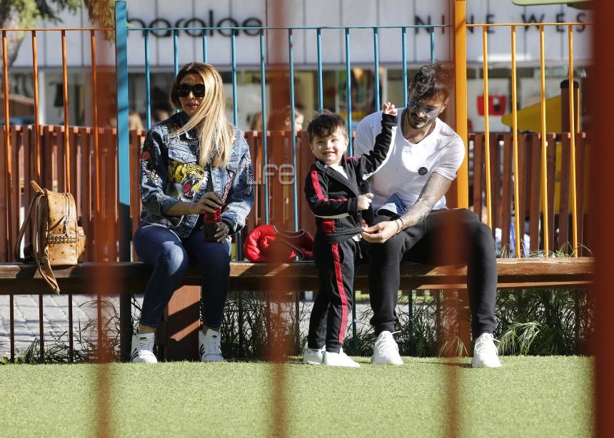 Αγγελική Ηλιάδη – Σάββας Γκέντσογλου: Στην παιδική χαρά με το γιο τους [pics]