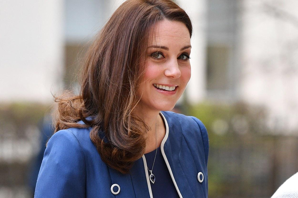 Γεννάει η Kate Middleton – Νωρίς το πρωί πήγε στο μαιευτήριο   tlife.gr