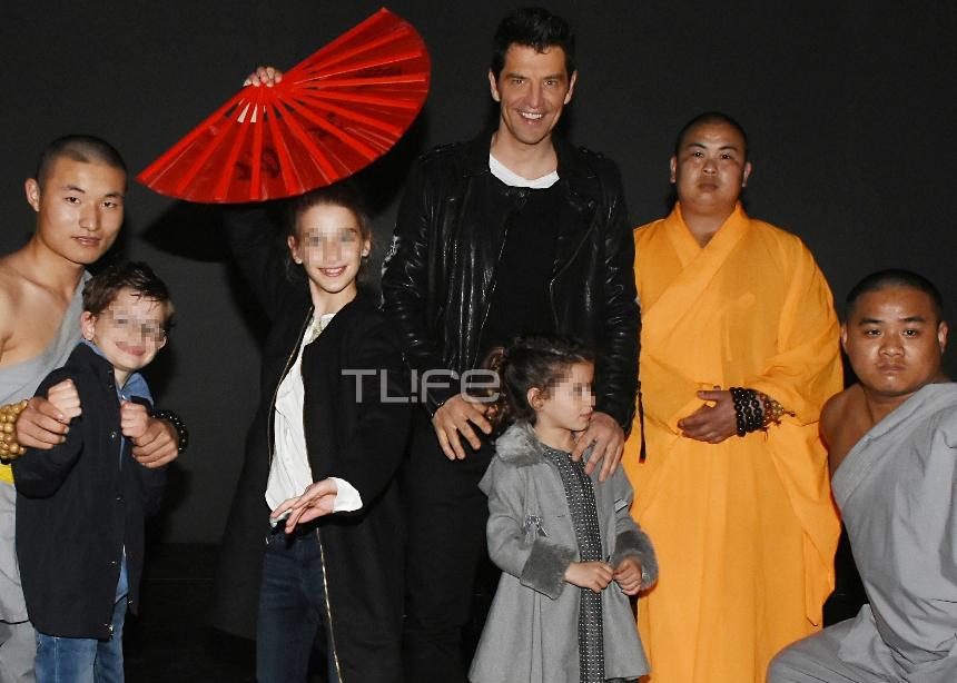 Σάκης Ρουβάς: Απόλαυσε με τα παιδιά του ένα ξεχωριστό θέαμα! [pics] | tlife.gr