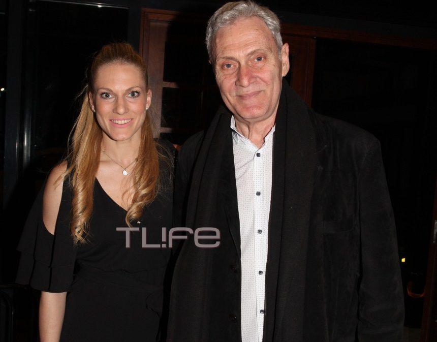 Σάρα Εσκενάζυ: Βραδιά θεάτρου παρέα με τον πατέρα της! [pics] | tlife.gr
