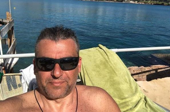 Γιώργος Λιάγκας: Βουτιές στην θάλασσα με γνωστό Έλληνα ηθοποιό! Video | tlife.gr