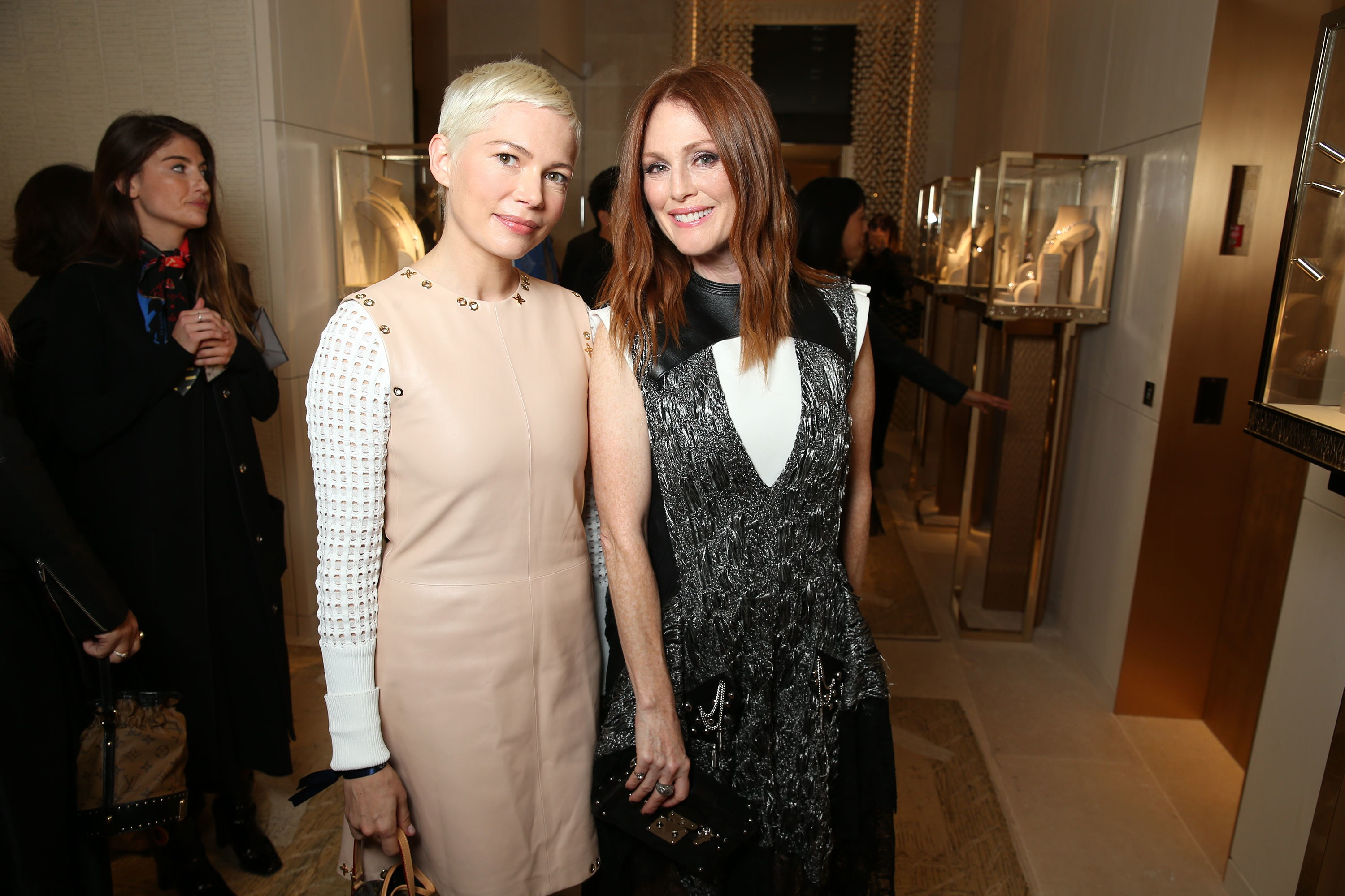 Michelle Williams – Julianne Moore: Συμπρωταγωνίστριες στο remake της ταινίας «After the Wedding» | tlife.gr