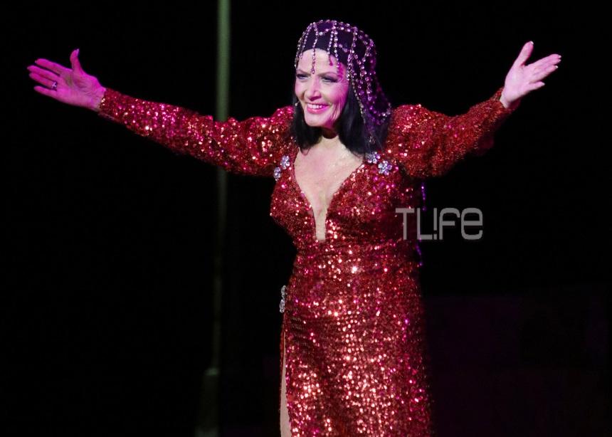 Η θεατρική επιστροφή της Ζωζώς Σαπουντζάκη – Φωτογραφίες από την πρεμιέρα | tlife.gr