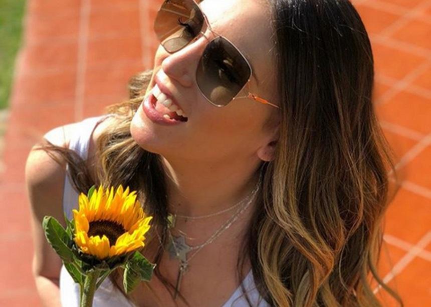 Αθηνά Οικονομάκου: Κυριακάτικη βόλτα με την κολλητή της | tlife.gr