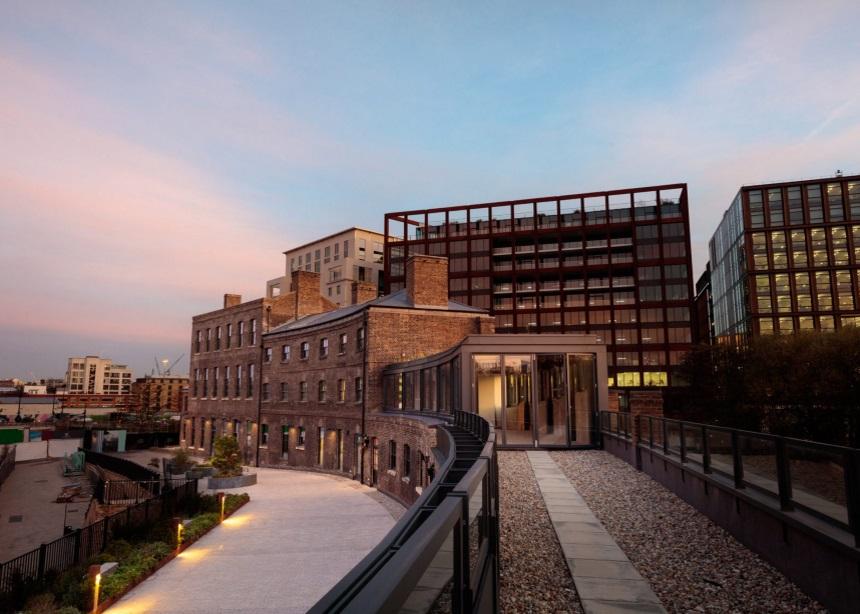 The Coal Office: Στις ολοκαίνουριες εγκαταστάσεις του κορυφαίου σχεδιαστή Tom Dixon | tlife.gr