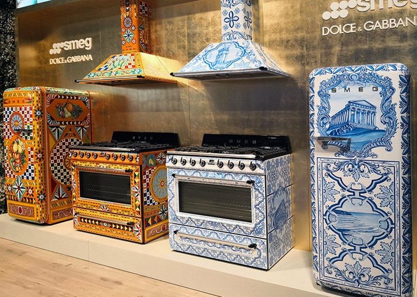 """Οι Dolce & Gabbana φέρνουν ξανά το σισιλιάνικο """"αέρα"""" στις κουζίνες μας!"""