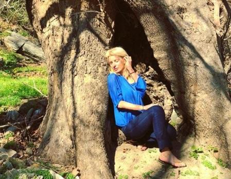 Ελένη Μενεγάκη: Οι Πασχαλινές διακοπές στην Κρήτη και οι πόζες χωρίς ίχνος μακιγιάζ! [pics,vid]
