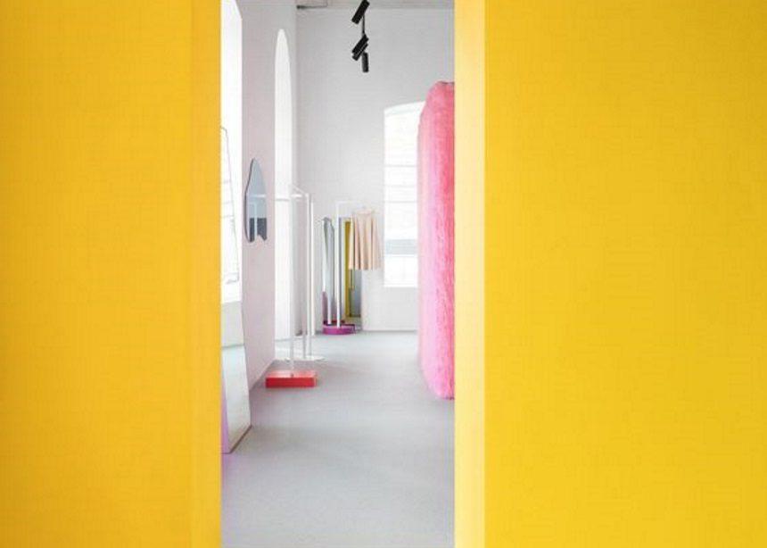 Gen Z yellow: Όταν το millennial pink άρχισε να προσέχει τα… νώτα του! | tlife.gr