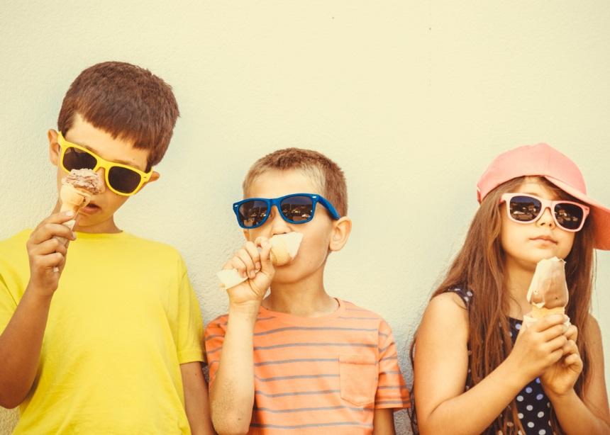 Παγωτό Vs Καραμέλα: Θα σε εκπλήξει ποιο θεωρείται ασφαλέστερο για τα παιδικά δόντια | tlife.gr