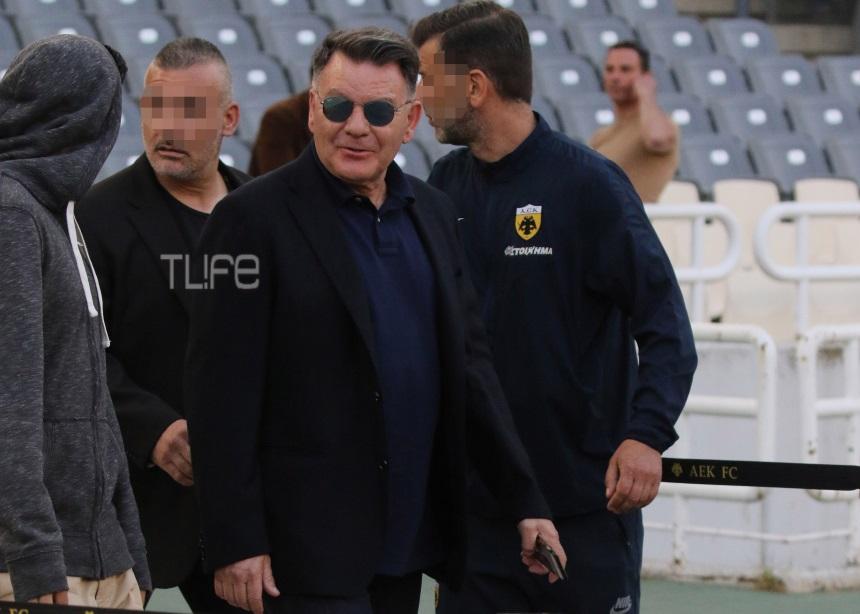 Αλέξης Κούγιας: Παρακολούθησε μαζί με τον γιο του τον αγώνα της ΑΕΛ [pics]   tlife.gr
