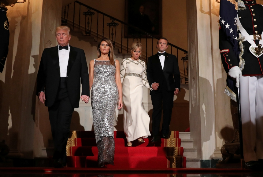 Μπριζίτ Μακρόν vs Μελάνια Τραμπ: Aναμέτρηση… μόδας από τις Πρώτες Κυρίες