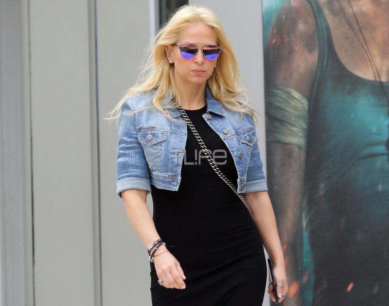 Μαρί Κωνσταντάτου: Σπάνια δημόσια εμφάνιση! Κομψή με μαύρο φόρεμα και αθλητικά! [pics] | tlife.gr