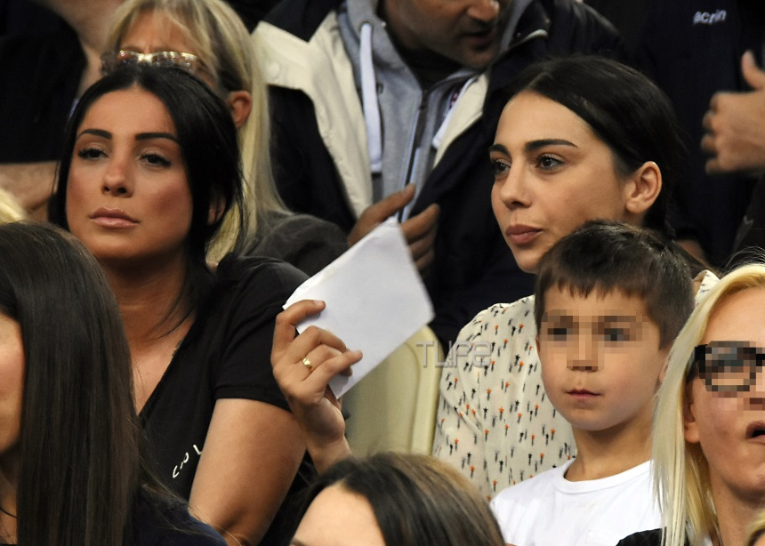 Ολυμπία Χοψονίδου: Στο γήπεδο με την αδερφή και τα παιδιά της [pics] | tlife.gr
