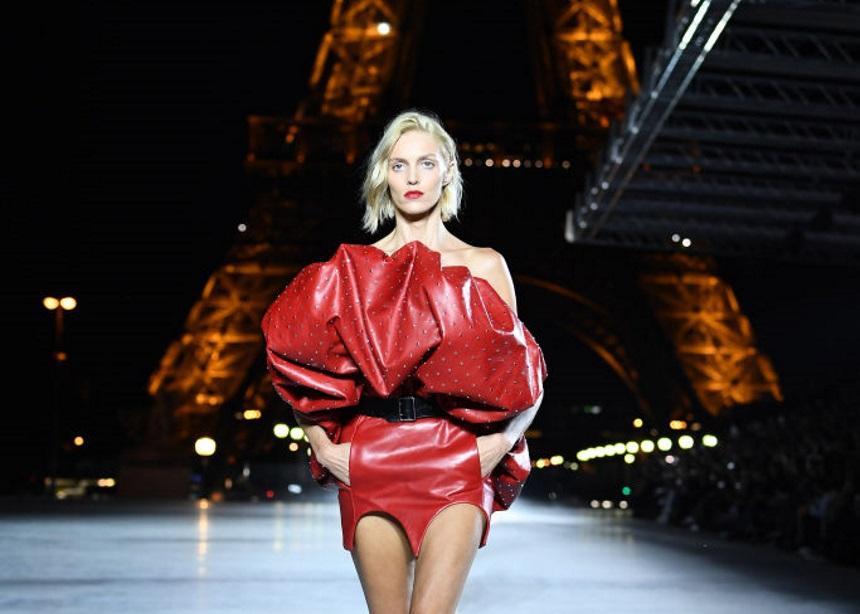 Saint Laurent: Εγκαταλείπει το Παρίσι και αλλάζει ήπειρο για το νέο show του | tlife.gr