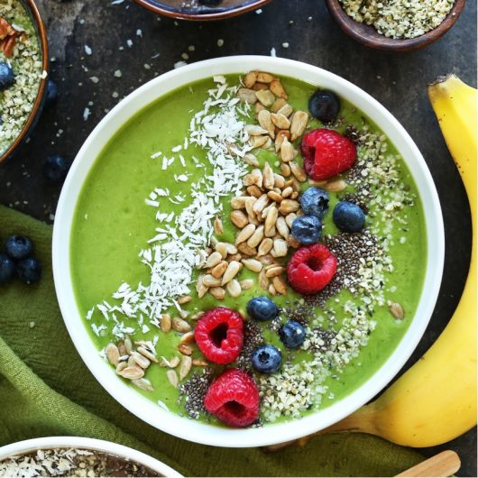 Πράσινο smoothie bowl | tlife.gr
