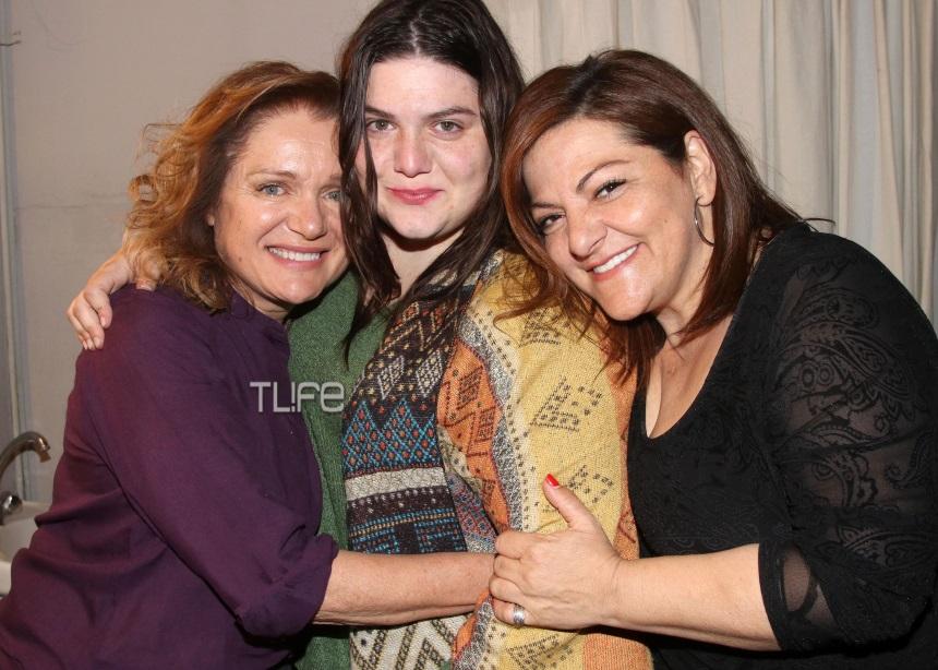 Βίκυ Σταυροπούλου: Καμάρωσε την κόρη της στο θέατρο [pics] | tlife.gr