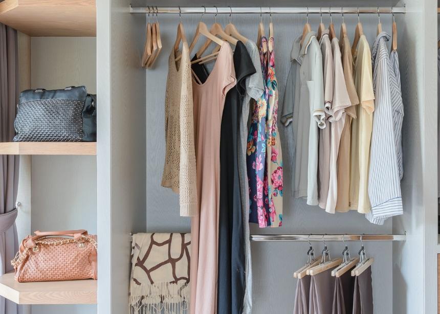 Τα ρούχα που ένας στυλίστας θα πετούσε από την ντουλάπα σου!