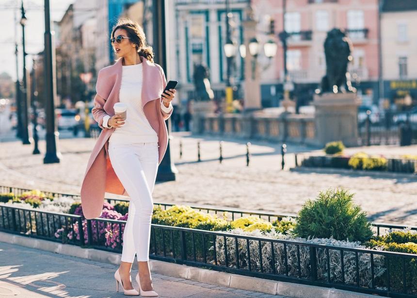 Τρία tips για να περπατάς πιο εύκολα και σωστά με ψηλοτάκουνα! | tlife.gr