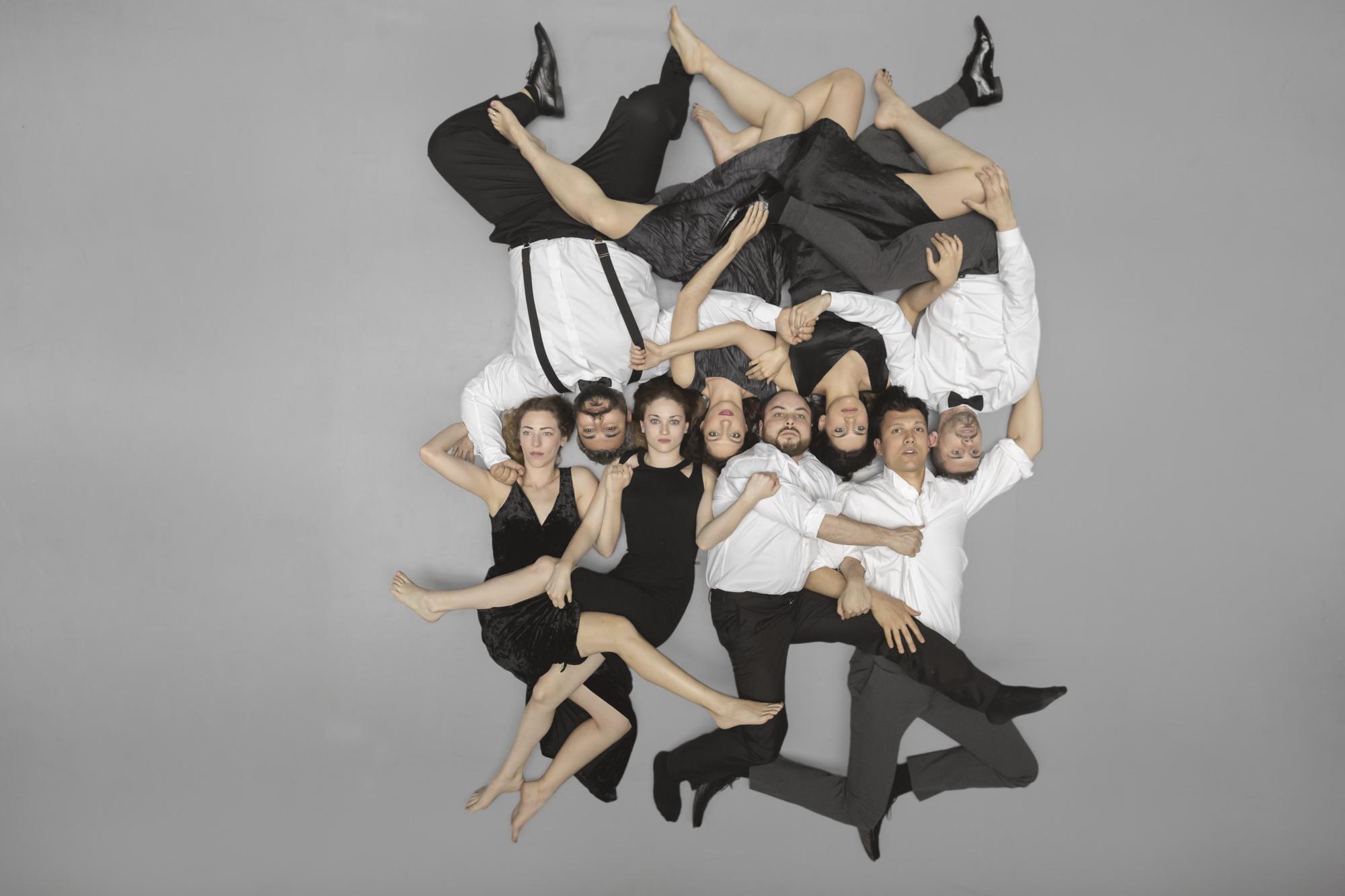 RAVEN Revisited: Όπερα του Κωστή Κριτσωτάκη σε Λιμπρέτο Νίνας Ράπη | tlife.gr