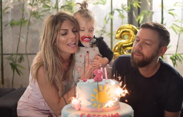 Γιάννης Βαρδής – Νατάσα Σκαφιδά: Γιόρτασαν τα γενέθλια της μικρής Κατερίνας στην Λήμνο! [pics] | tlife.gr