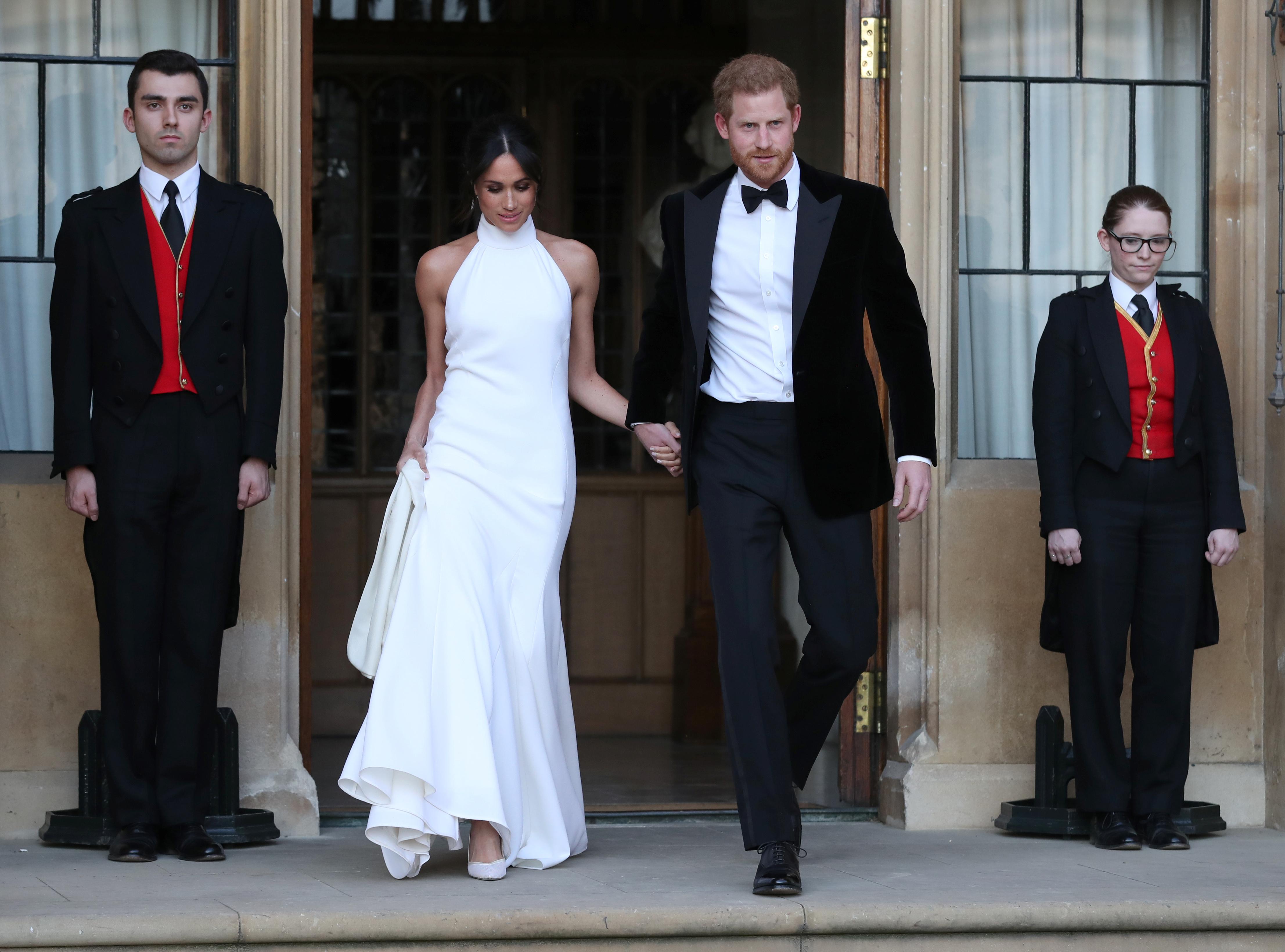 Meghan Markle: Η εμφάνιση με το δεύτερο εντυπωσιακό φόρεμα στο δείπνο του γάμου!