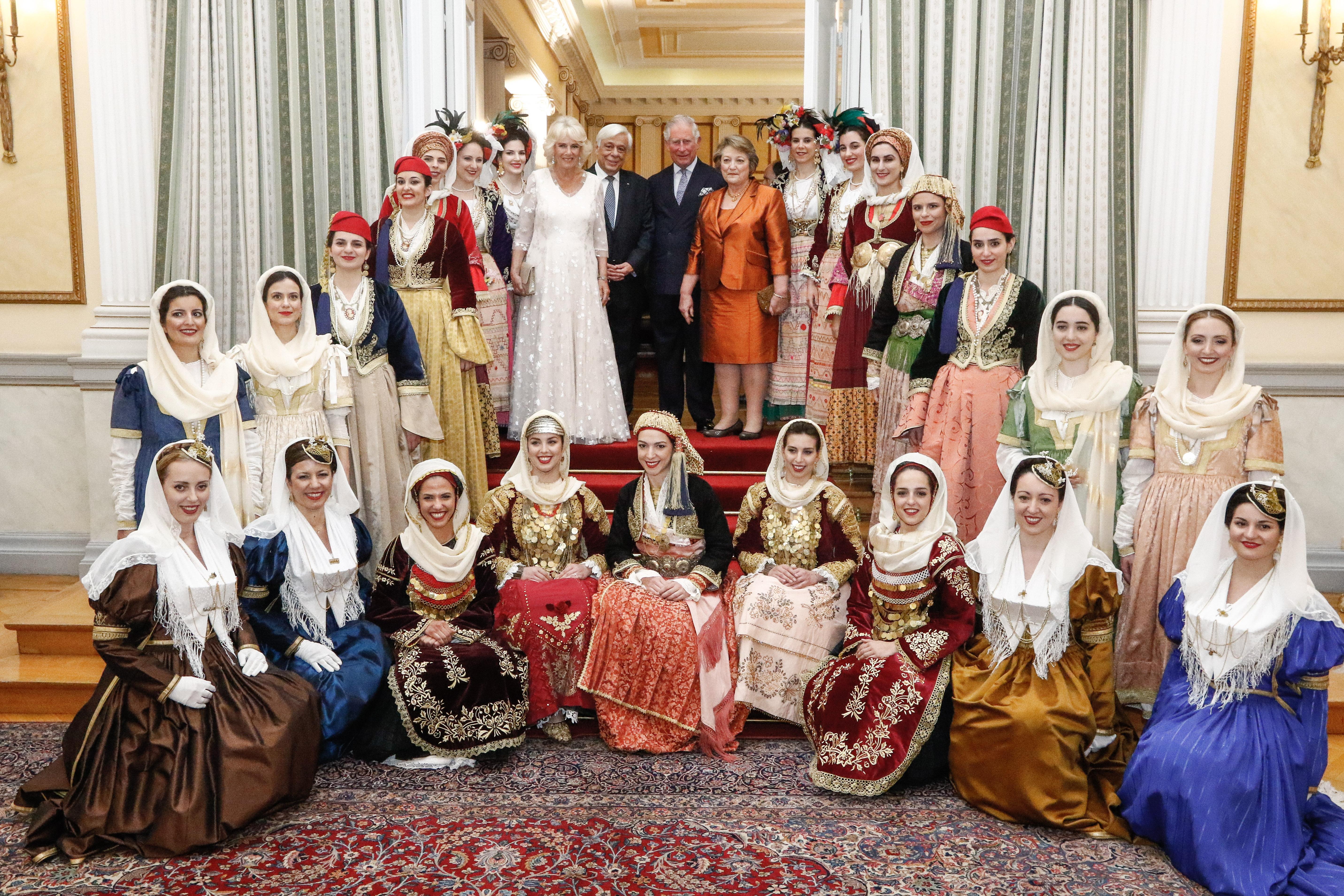 Πρίγκιπας Κάρολος – Καμίλα: Το επίσημο δείπνο προς τιμήν τους στο Προεδρικό Μέγαρο – Φωτογραφίες | tlife.gr