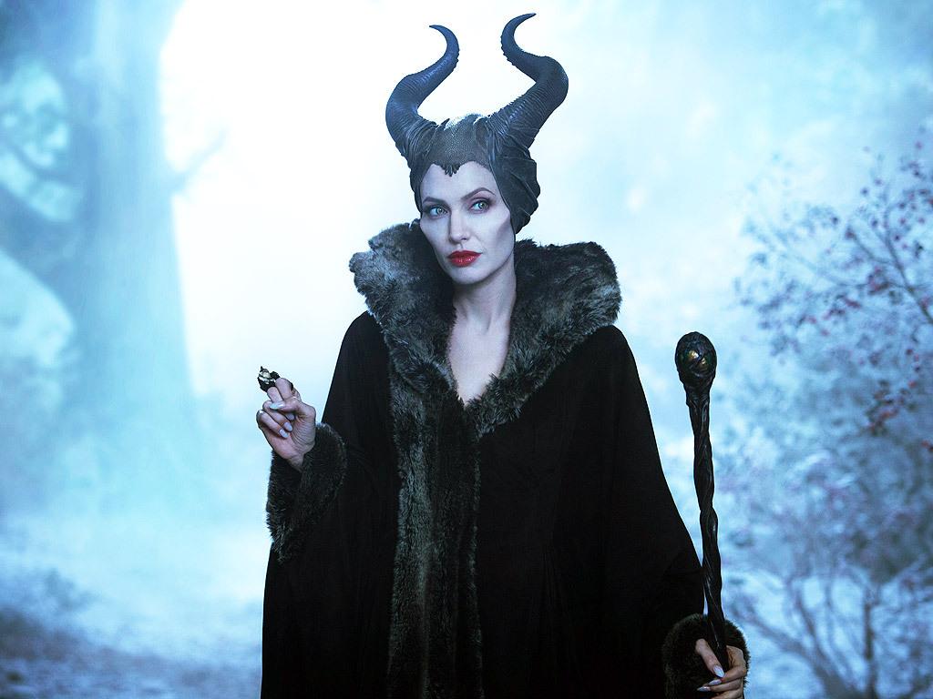 Angelina Jolie: Ετοιμάζει την ταινία Maleficent 2! | tlife.gr