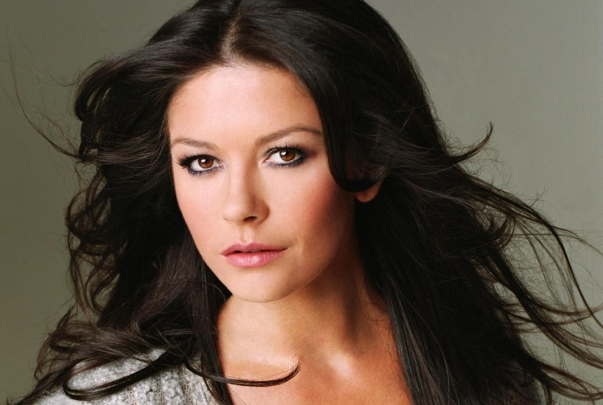 Catherine Zeta Jones: Κάνει δυναμικό come back!