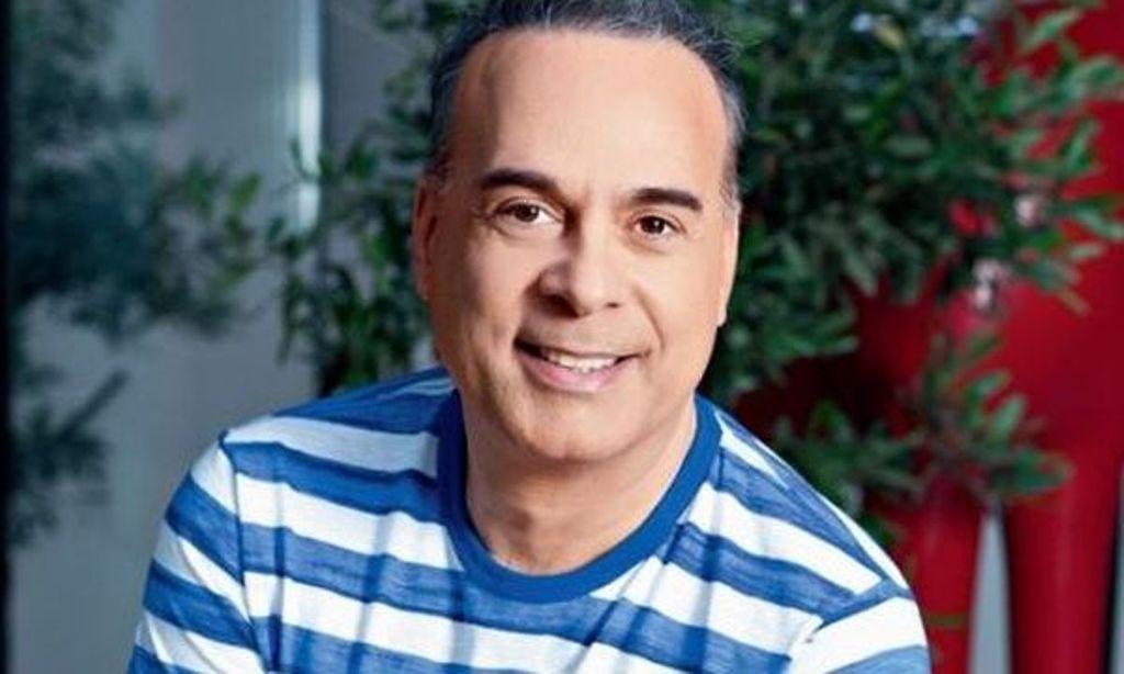 Φώτης Σεργουλόπουλος: Δεν φαντάζεσαι με ποιον αγκαλιά έχει ποζάρει και τι μήνυμα στέλνει!