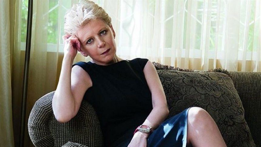 Συγκλονίζει η Έλενα Ακρίτα για την αυτοκτονία της 14χρονης στο Μοσχάτο | tlife.gr