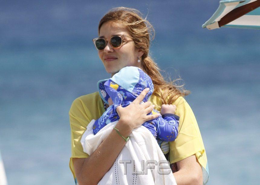 Ana Beatriz Barros: Το μοντέλο της Victoria's Secret στην Μύκονο με τον νεογέννητο γιο της! [pics]   tlife.gr