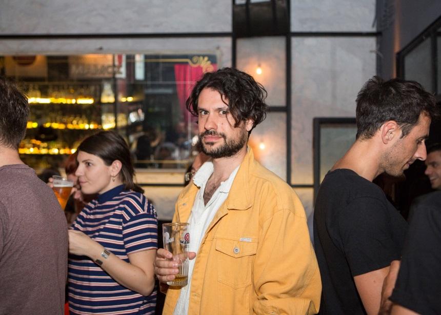 Πάρτι με διάσημες παρουσίες και μπύρα στο κέντρο της Αθήνας [pic] | tlife.gr