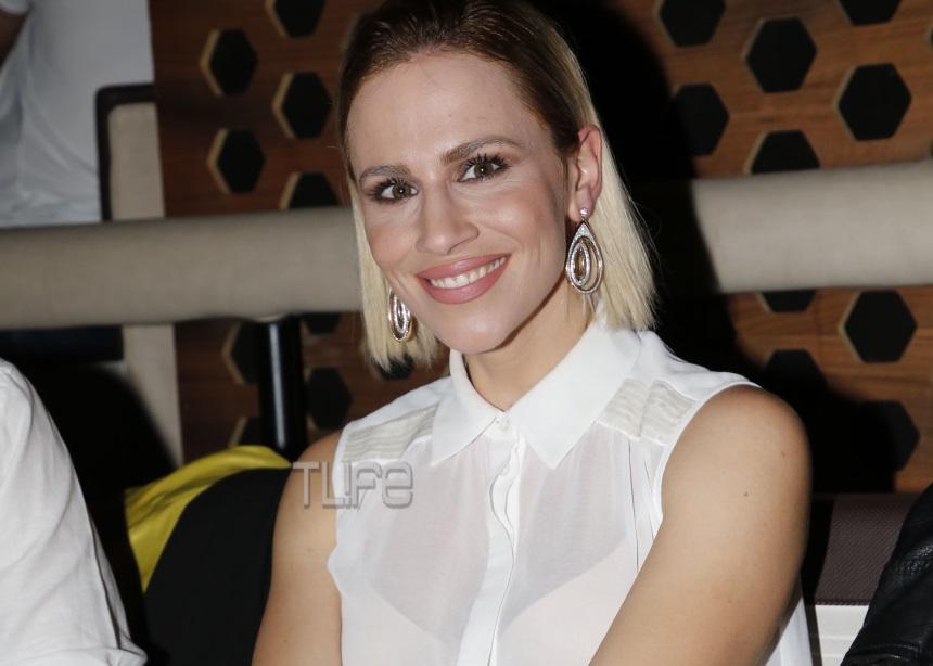 Νάντια Μπουλέ: Με κομψή εμφάνιση και νέο look σε βραδινή έξοδο [pics] | tlife.gr