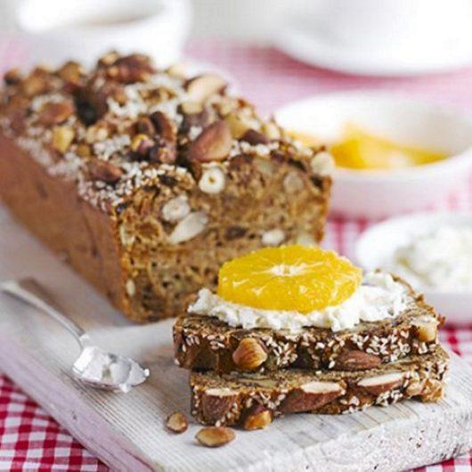 Κέικ με ξηρούς καρπούς και αποξηραμένα φρούτα | tlife.gr