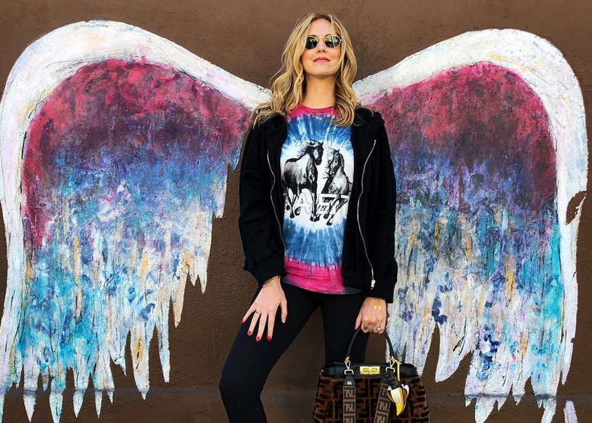 H Chiara Ferragni φόρεσε ένα 80's σακάκι και μας αρέσει πολύ! | tlife.gr