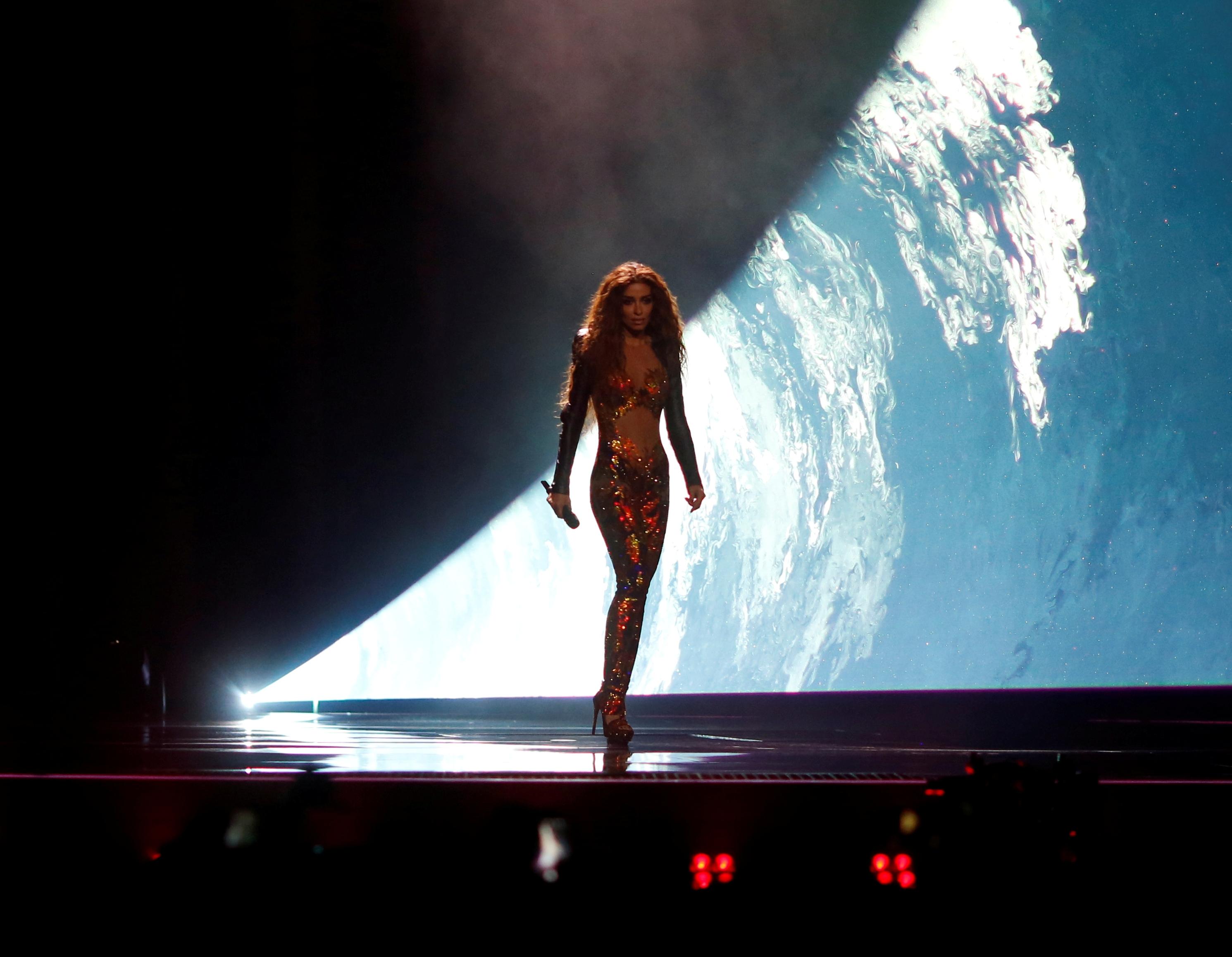 Ελένη Φουρέιρα: Σείστηκε το στάδιο την ώρα που εμφανίστηκε στη σκηνή! Όσα δεν είδες χθες! Βίντεο | tlife.gr