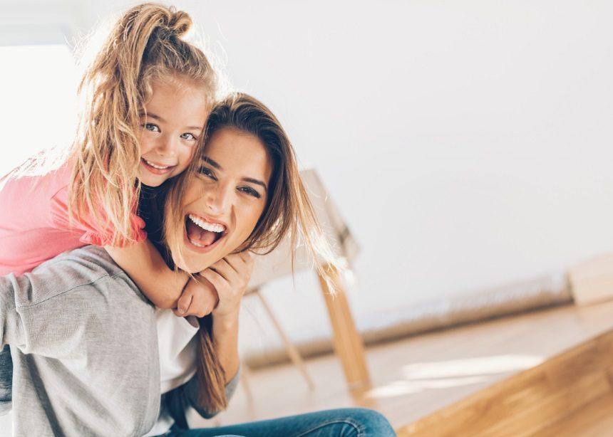 Γιορτή της Μητέρας: 10 ξεκαρδιστικά τσιτάτα για να ταυτιστούν όλες οι μαμάδες | tlife.gr
